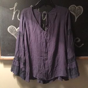 Entro size large with bell sleeves large nwot